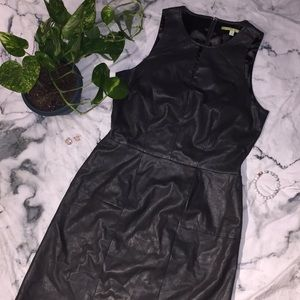 🎉MUST BUNDLE🎉GIANNI BINI Sz 6 Dress